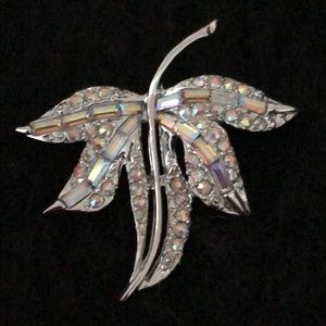Jewelry - OPALESCENT CRYSTAL AND RHINESTONE LEAF BROACH